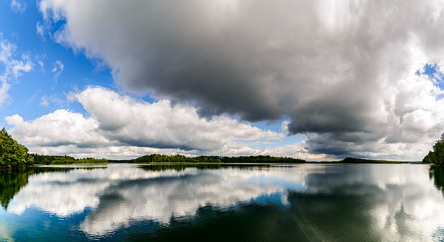 lake-1609596_640