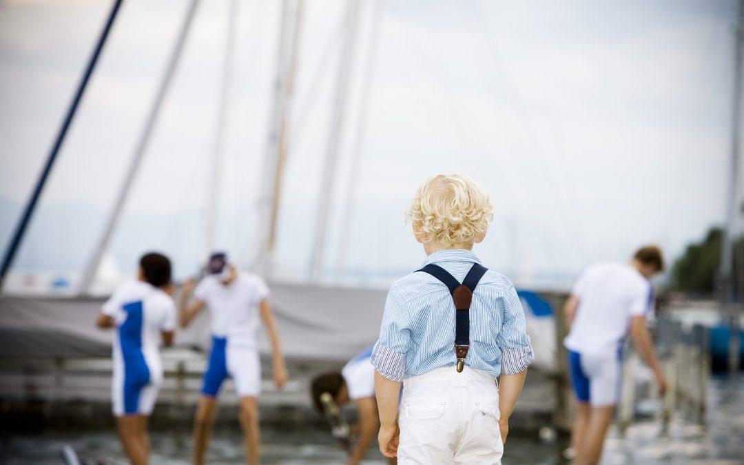Rodzinny czarter jachtu na Mazurach – doskonały pomysł na wakacje!
