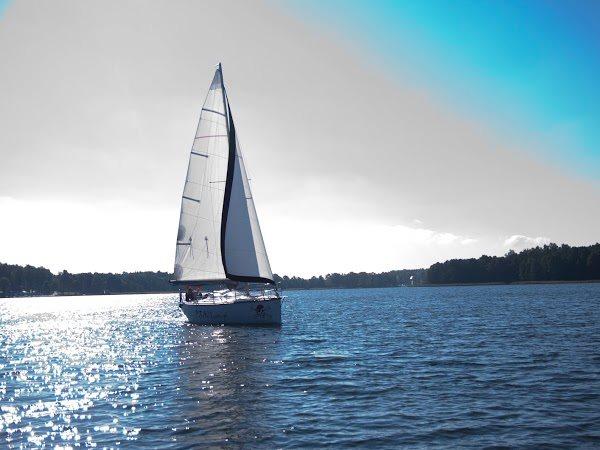 Czarter jachtów Giżycko - Mazury - jezioro Niegocin